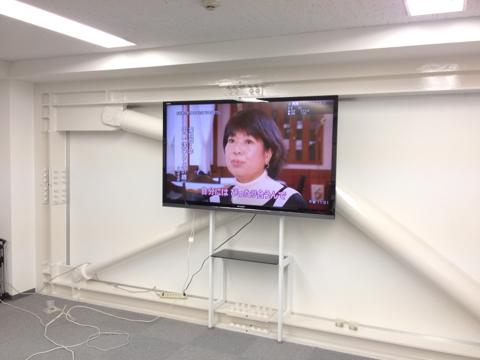 事例15:A社オフィス会議室のデジタルサイネージ-1