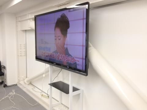 事例15:A社オフィス会議室のデジタルサイネージ-2